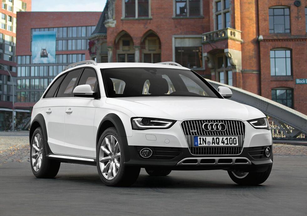 Audi A4 fornyes og får en mer markant design. Her ser vi A4 Allroad quattro, den røffere utgaven.  Foto: Audi