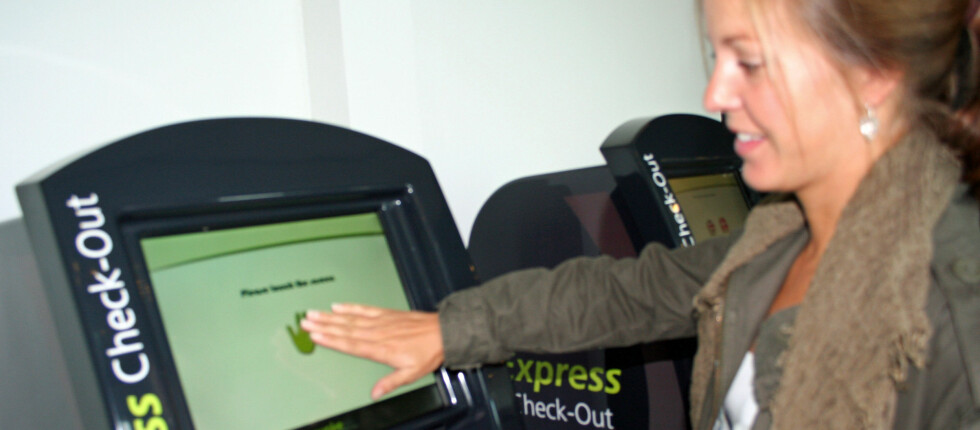 Inn- og utsjekkingsautomat Dette er genialt for deg som helst vil slippe å stå i kø ved hotellresepsjonen. Hvorfor vente når du kan gjøre alt selv? Foto: Silje Ulveseth