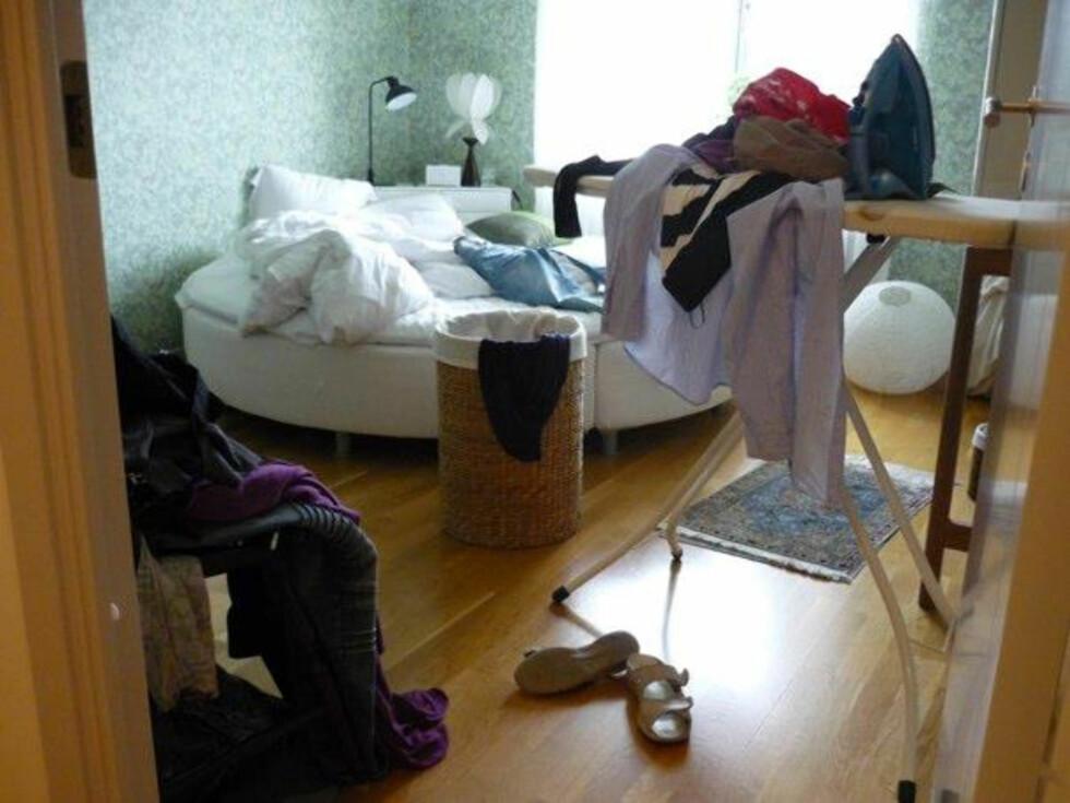I en mindre lägenhet kan en stor walk in closet även rymma sovrummet, tipsar MoaStrykbräda från Järnia Foto: Moa Söderhielm