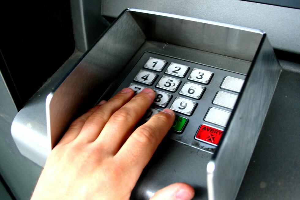 Penger som står reservert på konto, kan ødelegge for likviditeten i ferien. Foto: Kim Jansson