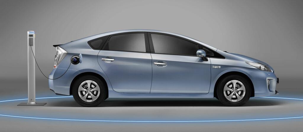 Mange har etterlyst muligheten til å lade hybridbiler. Nå kommer det snart. Foto: Toyota
