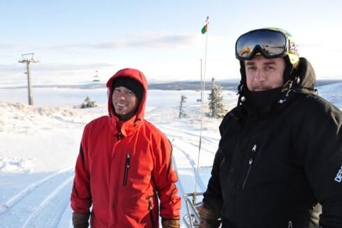 Bildet under er tatt i Kvitfjell 10. oktober 2011. Niklas Lindquvist og Trond Løken på scootertur.  Foto: Eskil Solberg