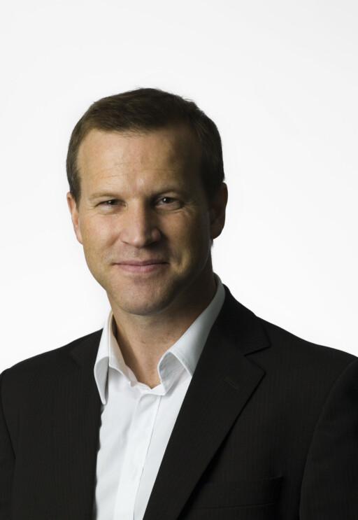Informasjonssjef Anders Krokan i Telenor frister med lave priser. Foto: Telenor