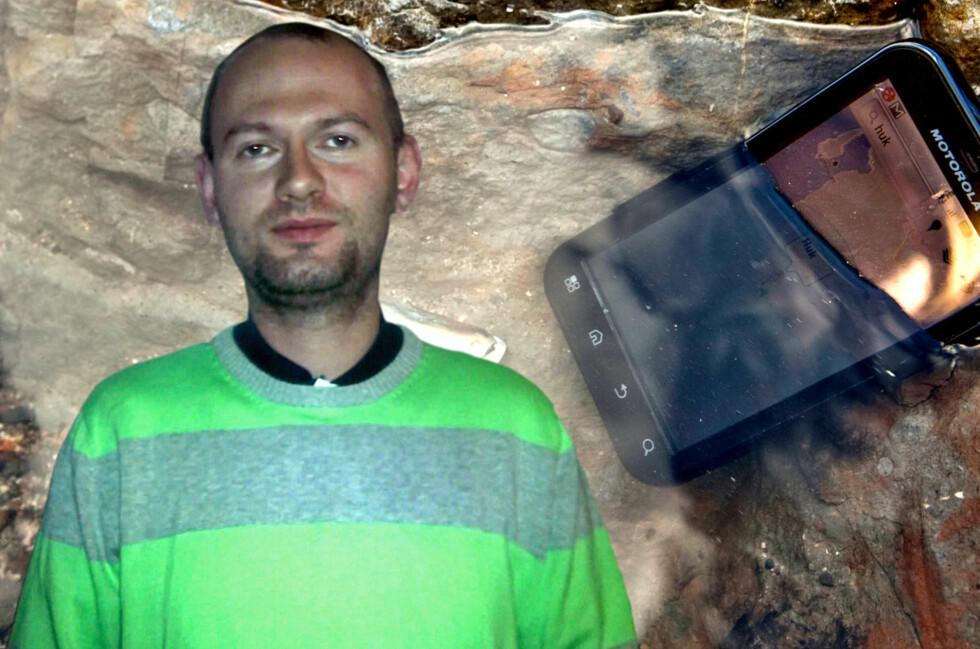 <strong>OPPGITT:</strong> Svein Skaara var kjempefornøyd med Motorola Defy, helt til den ble våt. Da verkstedet nektet å betale for reperasjonen, ga han seg ikke, og vant til slutt.  Foto: Ole Petter Baugerød Stokke/Per Ervland/Privat