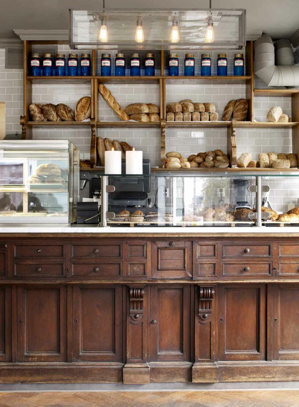 Kaffefilosofien til «United Bakeries» lyder slik: Vi skal tilby den ultimate kaffe, behandlet med respekt for hele prosessen som ligger bak en ferdig servert kopp kaffe. Bildet er fra «United Bakeries» på Adamstuen i Oslo. Foto: United Bakeries