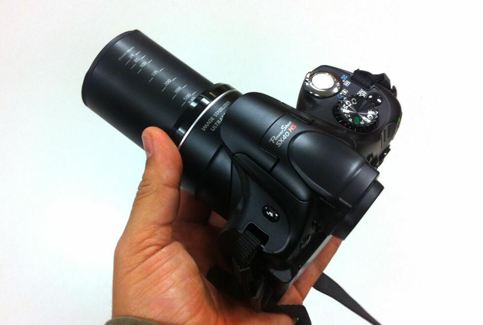 Canon PowerShot SX40HS er ett av to nye Canon-kameraer som er utstyrt med den lynraske Digic 5-prosessoren, som åpner for nye muligheter, ikke minst med tanke på støyreduksjon. Foto: Bjørn Eirik Loftås