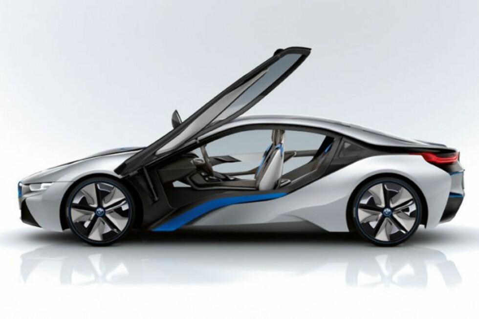 RÅTASS: BMW i8 er full av ny teknologi, men én av disse vekker kanskje mer oppsikt enn de andre. Foto: BMW