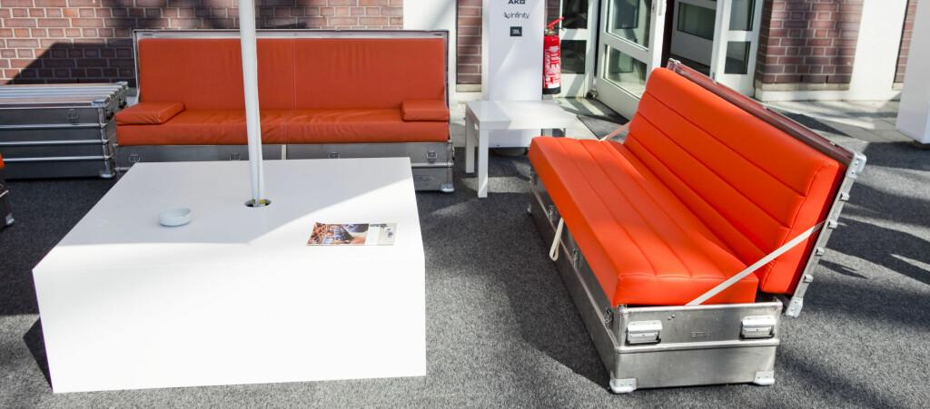 Konseptet til SofaBox er smart: Enkelt å pakke sammen og frakte, klar til bruk med et håndgrep, og kan stå ute hele året. Foto: Per Ervland