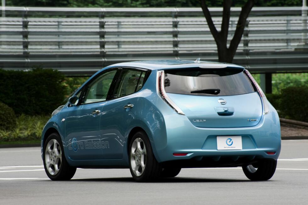 KAN HURTIGLADES: Nissan Leaf er en av flere nyere el-biler som kan lades på 15-20 minutter.