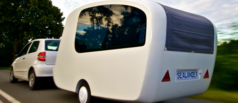 ALT I ETT: Sealander er campingvogn og båt i ett! Foto: Sealander