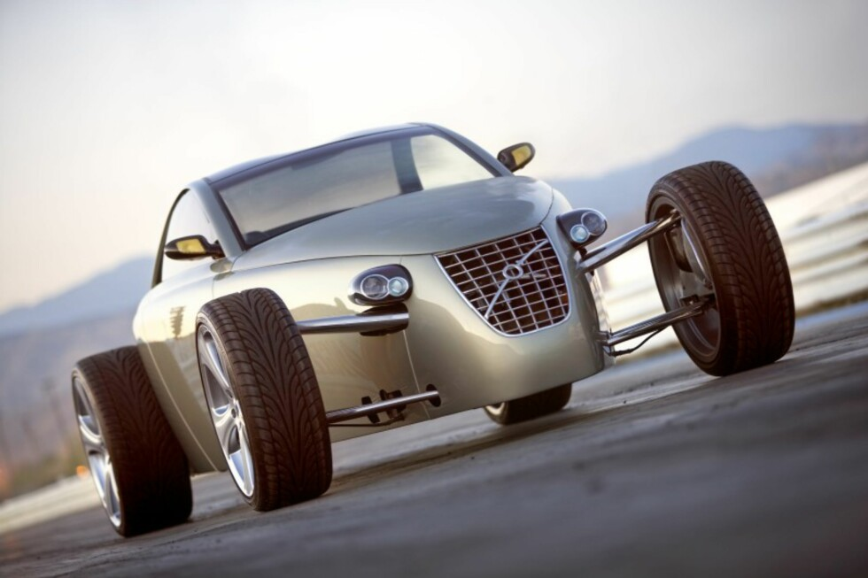 T6 Roadster at 2005 SEMA show features classic looks combined with modern Volvo components. (PRNewsFoto) Foto: Caresto