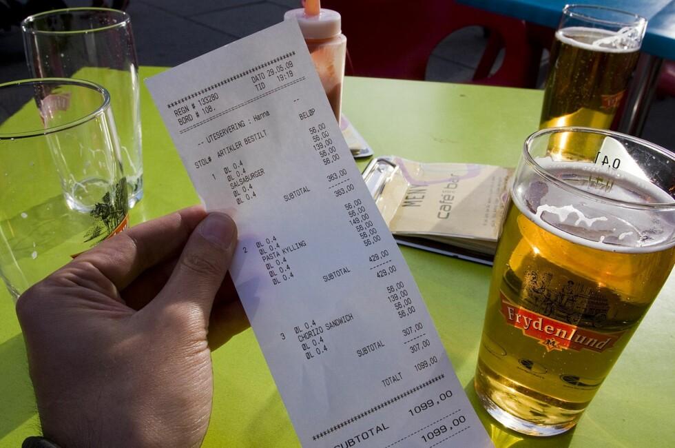 MYSTERIUM: Å spise ute kan være vanskelig for nordmenn på tur som er usikre på tipsereglene i landet.  Foto: Per Ervland