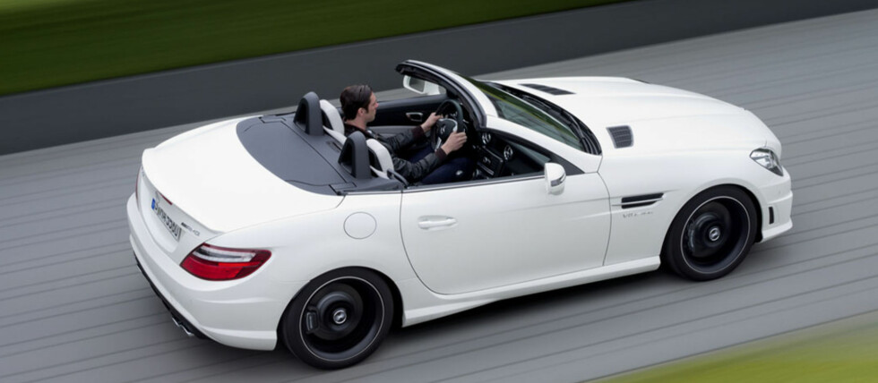 2012 Mercedes-Benz SLK55 AMG shown with optional AMG Handling Package. Foto: Wieck