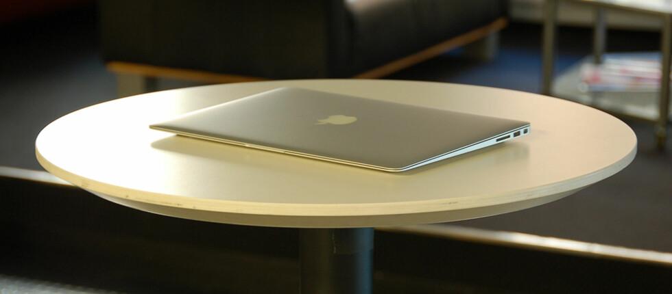 Nye Macbook Air er blitt raskere, og føles ikke lenger som et kompromiss for pen design. Foto: Pål Joakim Olsen