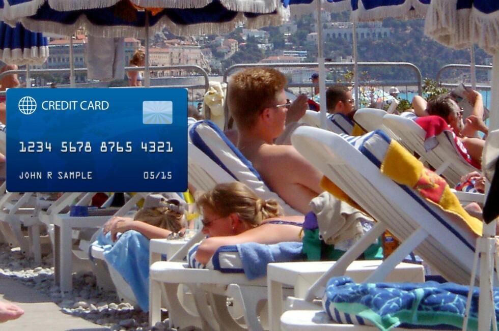 GIR FORDELER: Bruk kredittkort til å betale ferien - men husk at du må betale for deg etter endt ferie. Foto: James Miller/Colourbox