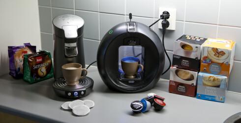 Det finnes flere varianter enn Nespresso, for den som vil teste kapselkaffe til hjemmebruk. Her er Senseo og Dolce Gusto. Foto: Per Ervland