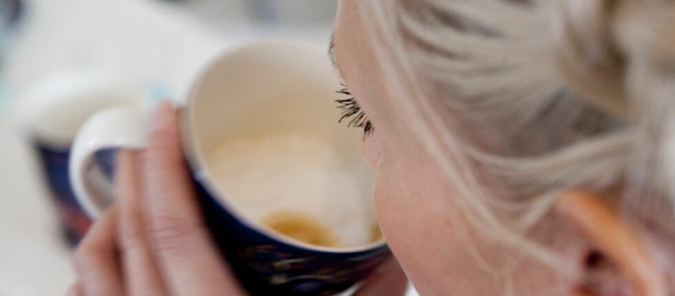 KAFFE: Ikke bare ligger nordmenn i verdenstoppen når det gjelder kaffedrikking, vi importerer også store mengder kaffemaskiner. Foto: Per Ervland