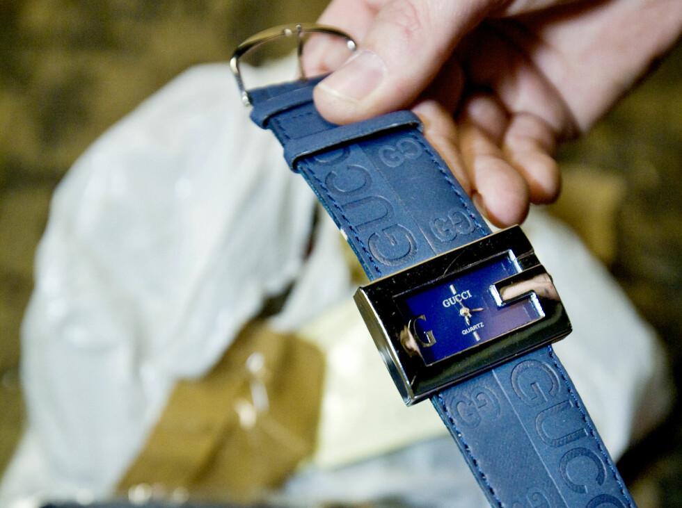 Du har lov til å kjøpe som privatpseron, men importøren av disse varene vil aldri få klokkene sine. Foto: Tollvesenet/nyebilder.no