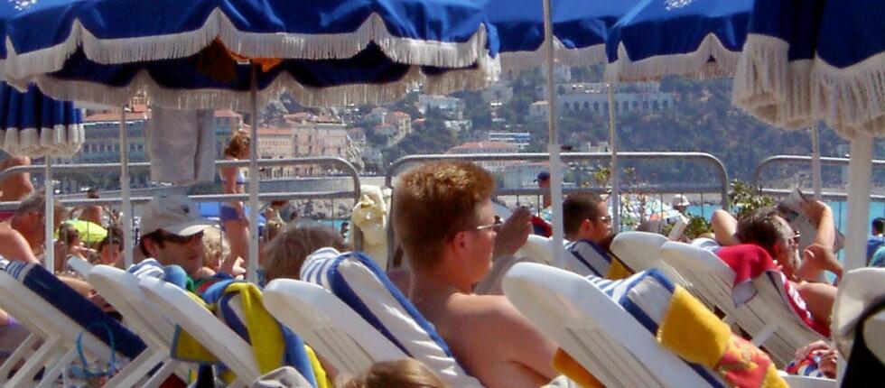 Leier du solseng og parasol hver dag blir ferien fort dyrere enn du hadde tenkt. Foto: colourbox.com