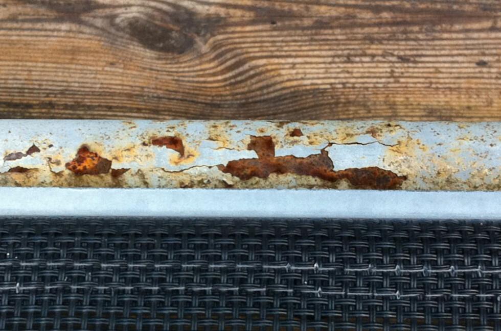Rustflekkene kan angripes.  Foto: Brynjulf Blix
