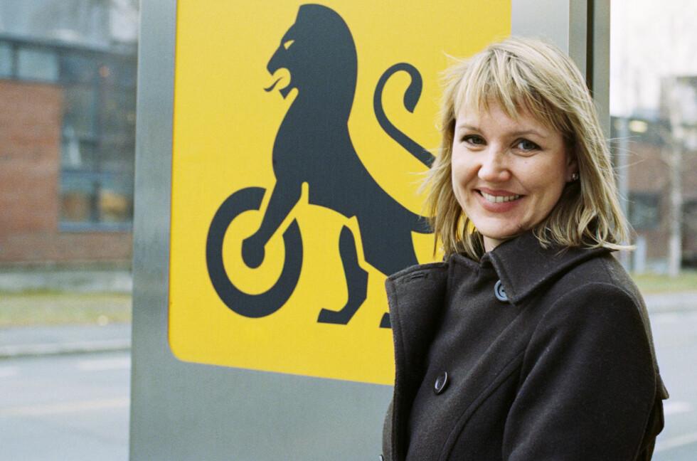 UTHVILT: Slik skal du se ut når du kjører. Kommunikasjonssjef Inger Elisabeth Sagedal i NAF advarer mot at trøtthet kan være like farlig som promille.  Foto: NAF