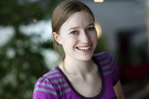 SKJERPER SEG: Når Miriam Karlsen i Forbrukerombudet kontakter dem, blir det ofte bedring.  Foto: Bjørn-Eivind Årtun/Forbrukerombudet