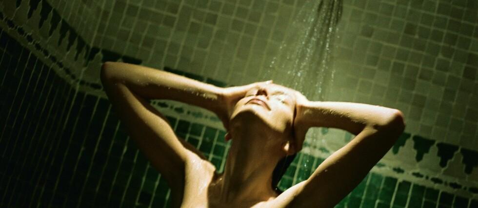 Lei av å gjøre det inne? Her er rimelige utedusjer som passer den solhungrige. Foto: colourbox.com