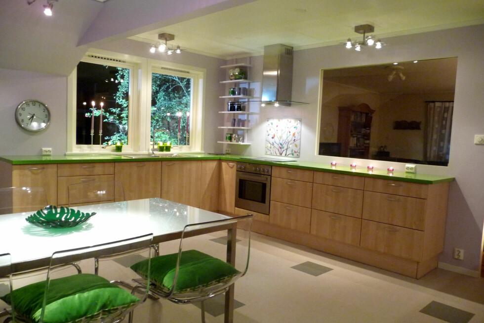 FREKK STIL: Sånn kan kjøkkenet bli med god lyssetning. Foto: Calina Yttredal