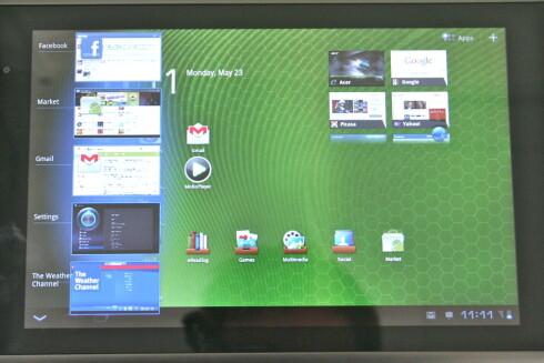 """MYE SNACKS: Hjemskjermen til Android versjon 3.0 (""""Honeycomb"""") er full av muligheter. Legg for eksempel merke til flerprogramkjøringen til venstre, og web-snarveiene øverst til høyre. Foto: Øivind Idsø"""