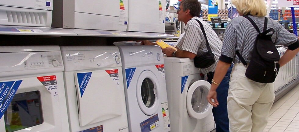 HVITEVARER: Butikken er ansvarlig for å energimerke alle hvitevarer, men hele 49 av 50 undersøkte butikker slurver. Foto: Colourbox
