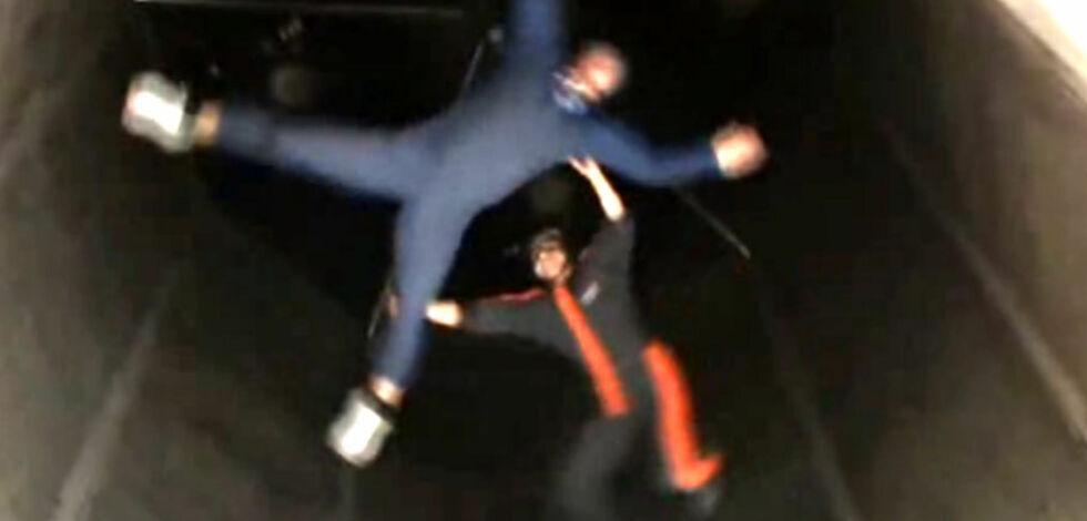 image: Hopp i fallskjerm - innendørs