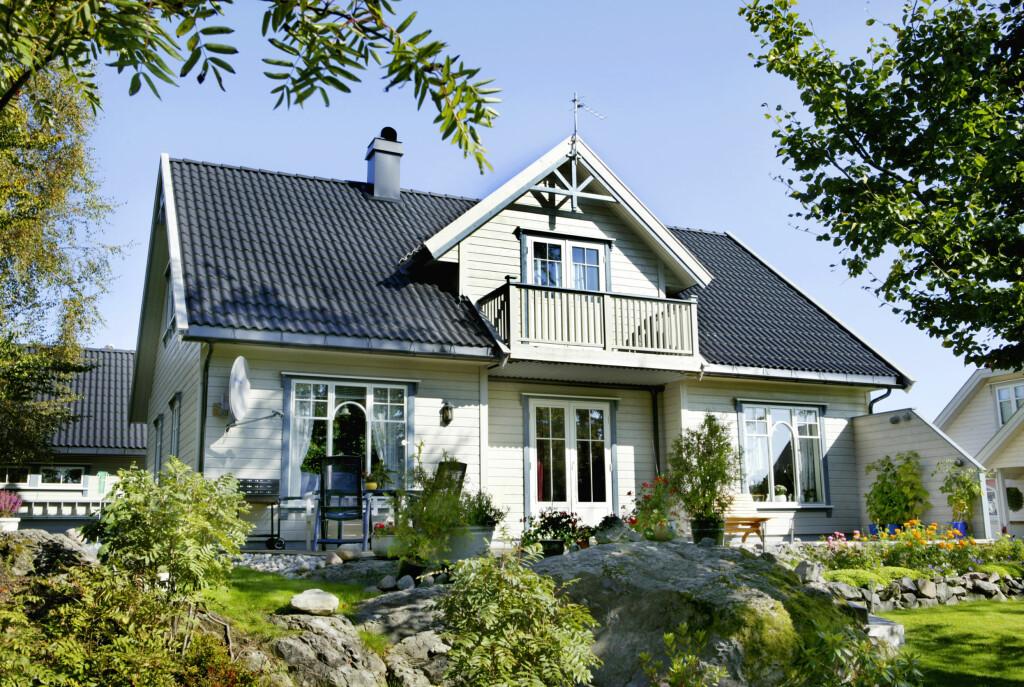"""TRADISJONELLE BOLIGER: Eneboliger som denne er fortsatt populære blant nordmenn. """"Ninni"""" var Mesterhus´mest solgte ferdighus i 2010. Foto: Mesterhus"""