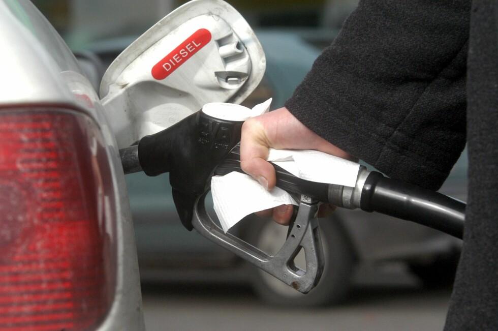 OPP 20 PROSENT: EU vil sette opp dieselavgiftene med 20 prosent, men også i Norge vurderer man eventuelle økninger. Foto: COLOURBOX.COM