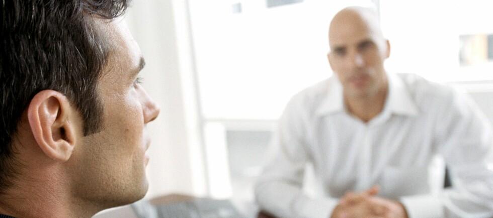 Om du fortsatt er en aktuell kandidat til jobben etter at intervjuene er ferdig, vil den potensielle arbeidsgiveren sannsynligvis ringe referanse dine. Da vil han eller hun spørre noen svært viktige spørsmål. Foto: Colourbox.com