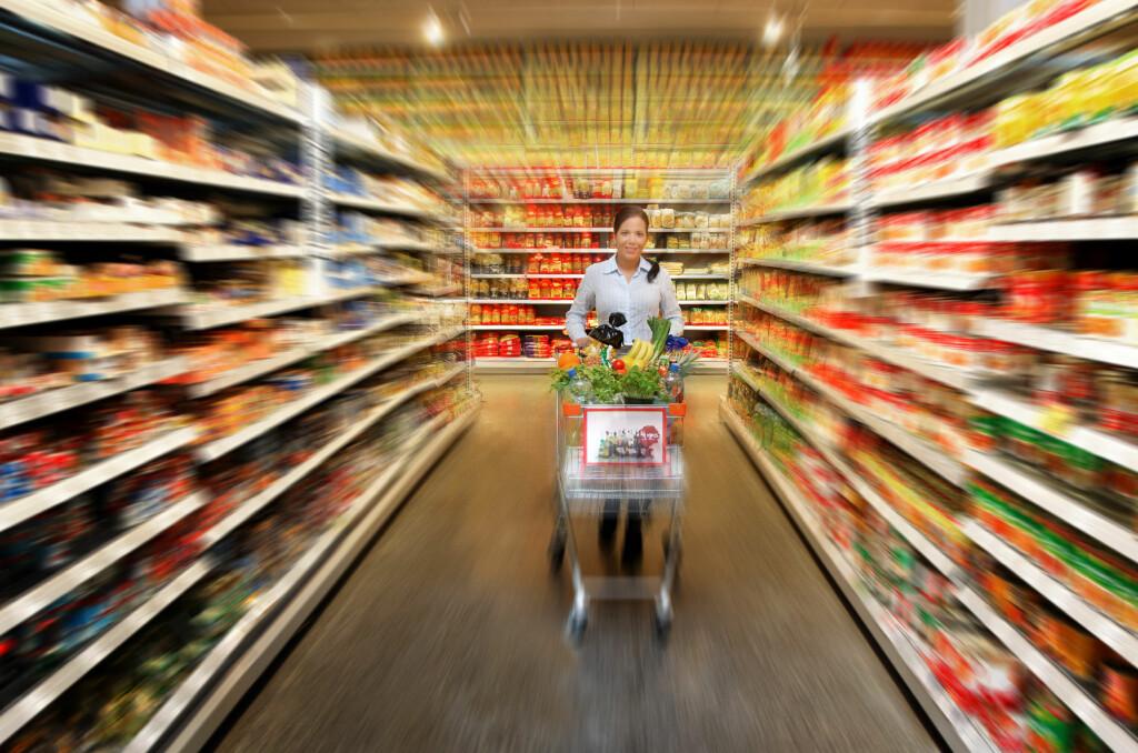 I snitt bruker nordmenn 47.000 kroner på mat og alkoholfrie drikkevarer i året. Foto: Colourbox.com