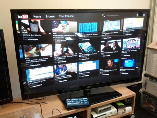 HDMI: Å se Youtube på flatskjermen er gøy. Når det funker, vel og merke.  Foto: Ole Petter Baugerød Stokke