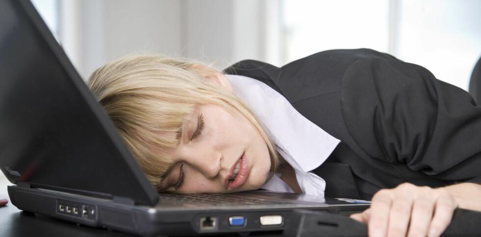 Det er ikke bra for helsa å jobbe for mye. Foto: Colourbox.com
