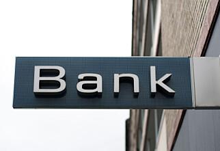 - Velg tre banker