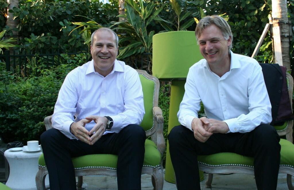 Perry Cantarutti fra Delta Airlines og Erik Varwijk fra Air France KLM var enige om at sosiale medier utfordrer dem til å tenke nytt.