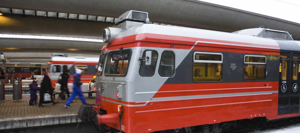 BILLIG CRUISE: Med tog-billett som bevis, kan du få 75 prosent på danskebåten. Foto: Per Ervland