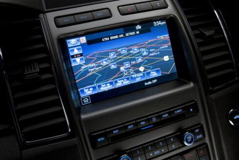 <strong><B>I SYNK:</strong></B> Slik ser Ford Sync ut for føreren. Slik systemer <i>kan</I> være sårbare for angrep utenfra, men det er i dag sannsynligvis bare en teoretisk mulighet. Foto: Wieck