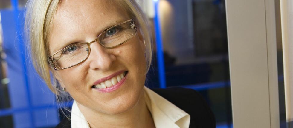 Forbrukerøkonom Sidsel Sodefjed Jørgensen sier at det er lurt å spare én til to månedslønner i tilfelle noe uforutsett skulle skje.  Foto: DnB NOR