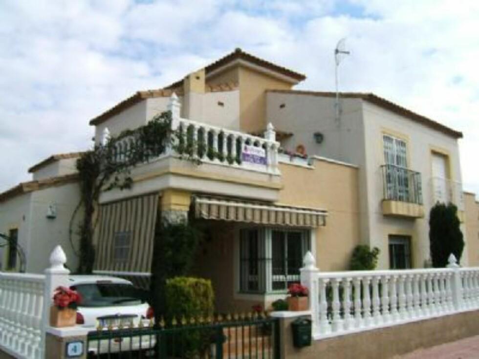 Tomannsbolig i et lite boligområde i utkanten av byen Algorfa, bare en kort kjøretur fra Torrevieja. Det er 6 km til nærmeste strand, men det finnes et felles svømmebasseng i komplekset. Foto: Europahus