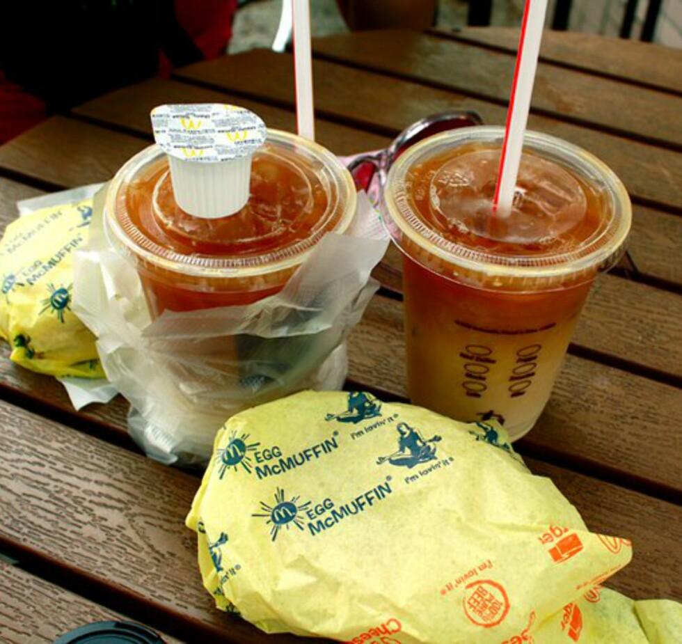 Gratis mat fra McDonalds. Blix er imponert over at de faktisk gav dem gratis mat når de spurte. Foto: Maya Blix