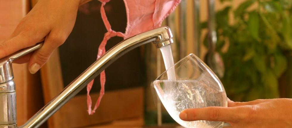I enkelte kommuner kan du risikere å betale mer enn 18.000 kroner i året for vannet. Det eneste positive med denne prisen, er at du kan bruke akkurat så mye du vil, uten at det koster deg en krone mer.  Foto: colourbox.com