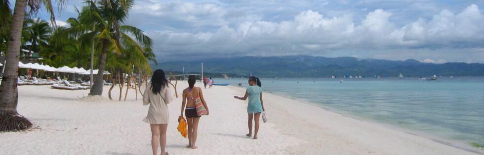 Denne hvite stranden ligger på Boracay i Philippinene. Foto: Tracy Carpena