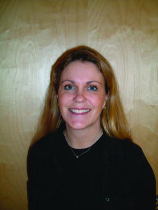 Marie-Anne Zachrisson, salgs- og driftsdirektør i Ving, tror ikke de gode salgstallene bare skylder en kjendis. Foto: Ving.no