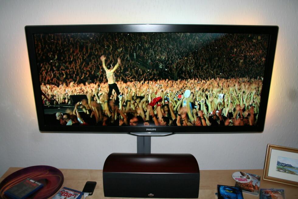 Dave Gahan fra Depeche Mode i kjent stil.  Foto: Øyvind Paulsen