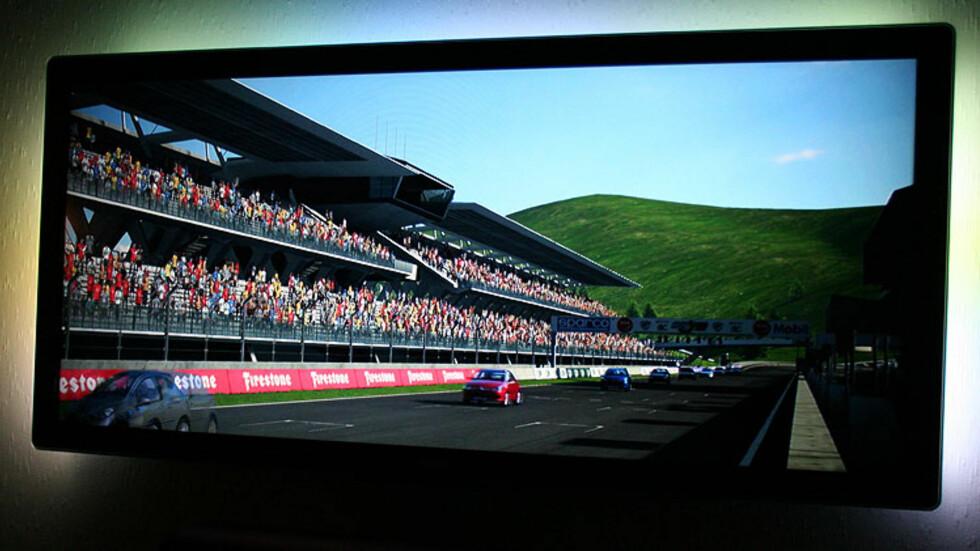 Bilspillet GT5 på Playstation 3 i 3D. Det fungerte ypperlig. Foto: Øyvind Paulsen