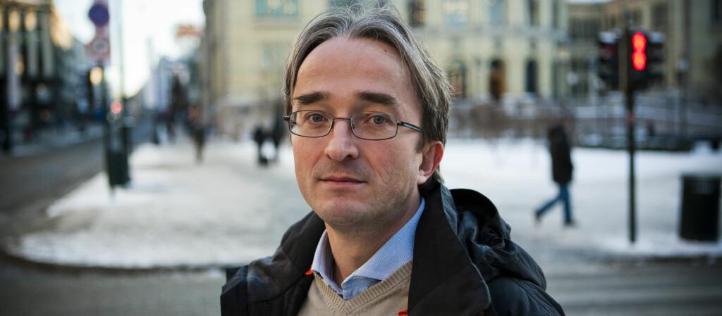 OPPGITT: Nikolai Sandved får ikke lov til å flytte av Skatteetaten fordi han besøker barna sine for ofte. Foto: Per Ervland